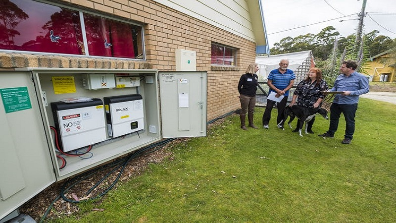 Researchers talk to Bruny Islanders who have signed up to an experimental new method of managing energy. Image: Chris Crerar