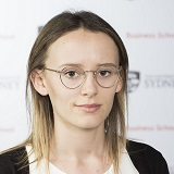Headshot of Laura Box from The University of Sydney Business School
