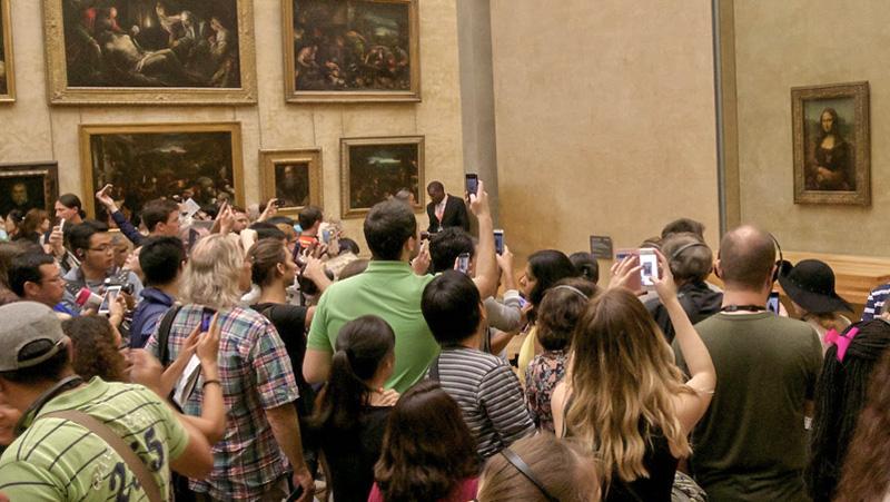 Selfies with the Mona Lisa